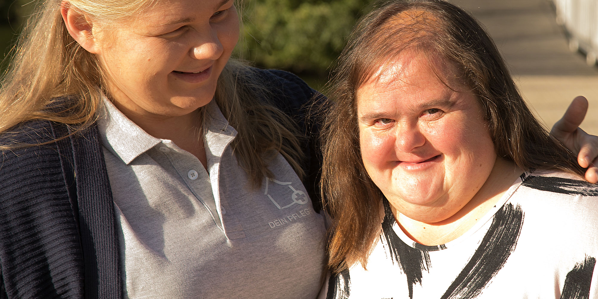 Olga und Viktoria sind ein eingespieltes Team • Dein Pflegeteam GmbH